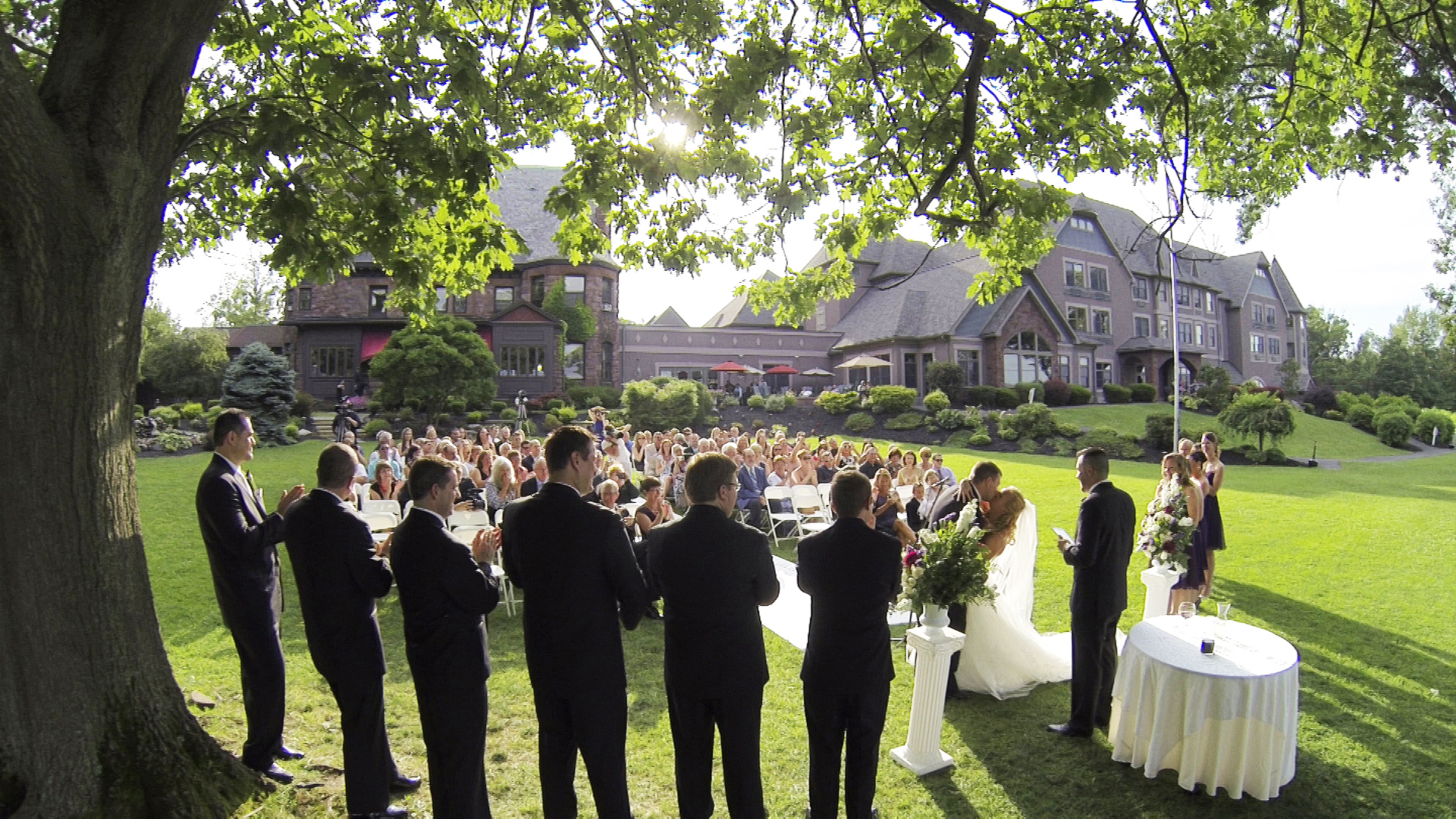 Geoff & Danielle – Belhurst Castle Wedding, Geneva, NY