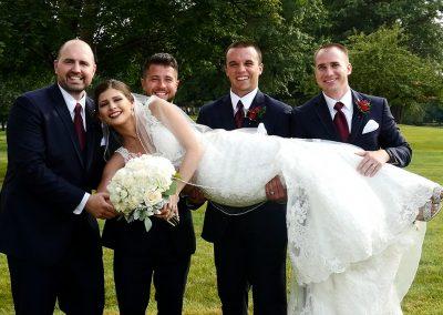 03 Bride w Groomsmen